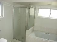 Vista Waikoloa Bathroom Before